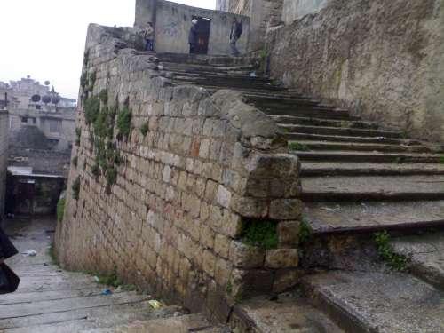 طلعة الميسة و هو درج أثري حجري